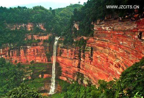 赤水:佛光岩、侏罗纪桫椤公园、四洞沟+重庆都市四日深度游